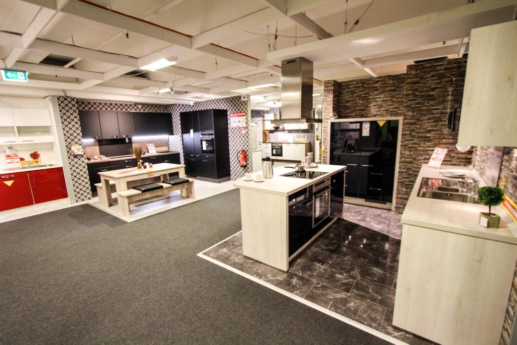 poco einrichtungsmarkt wohnmeile halstenbek. Black Bedroom Furniture Sets. Home Design Ideas